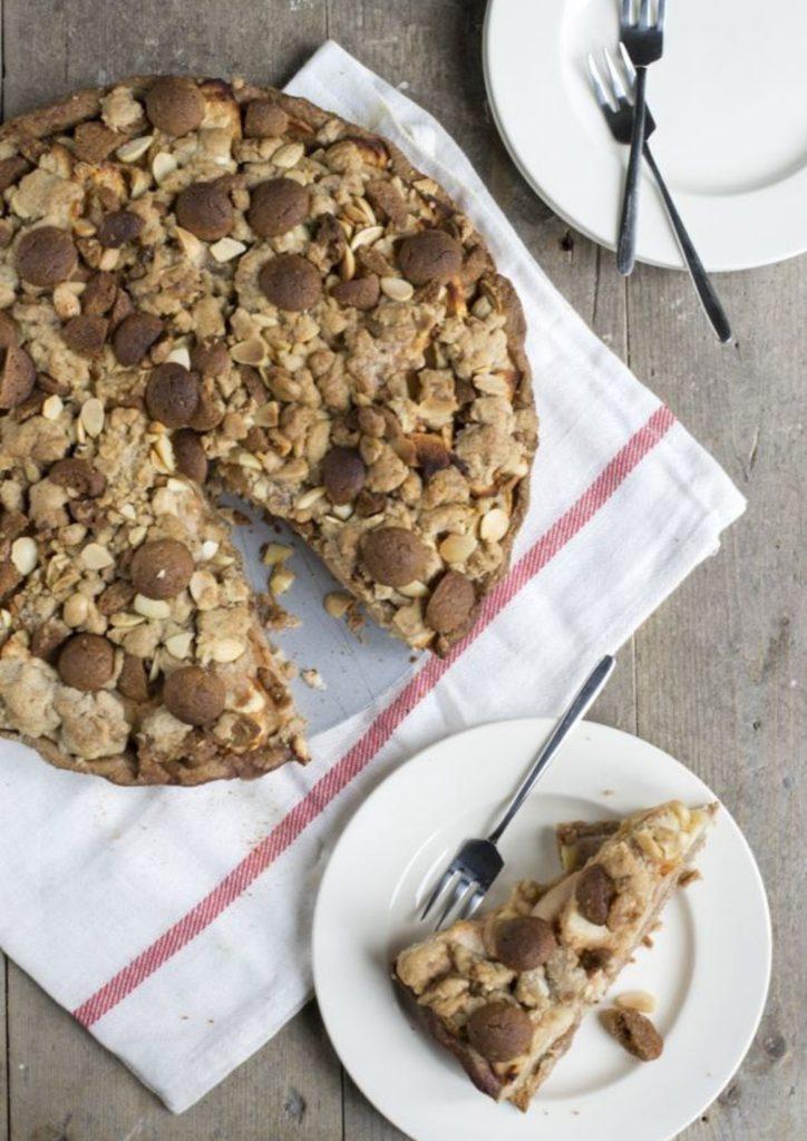 Recept Sinterklaastaart: Appelkruimeltaart met speculaas en amandelspijs